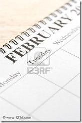 2167737-cierre-de-espiral-obligado-calendario-que-muestra-mes-de-febrero