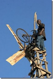 william_kamkwamba_windmill