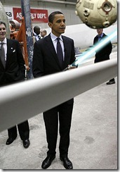 wfdj_barackobamalookingatawesomethings_lightsaber