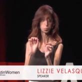 Lizzie Velasquez: «Los obstáculos son peldaños hacia el éxito»