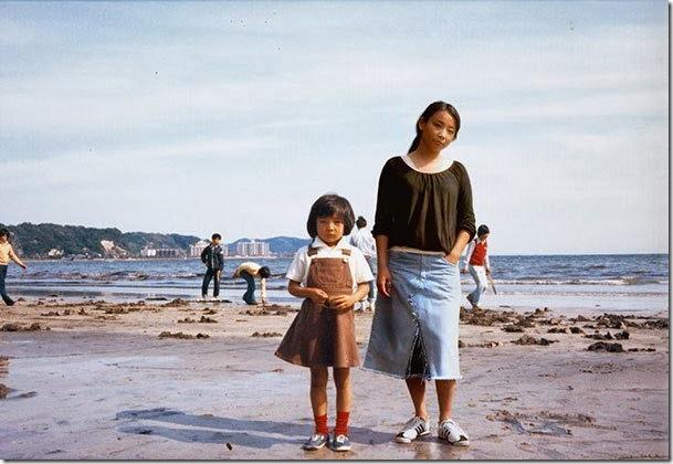 Fotógrafo viaja en el tiempo y se inserta en las fotos de su infancia 02